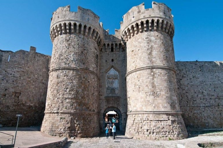 Gateway to the old city of Rhodes - Marine