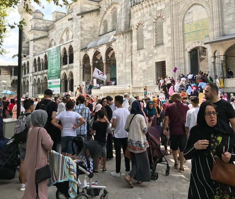 Queue to the Blue Mosque