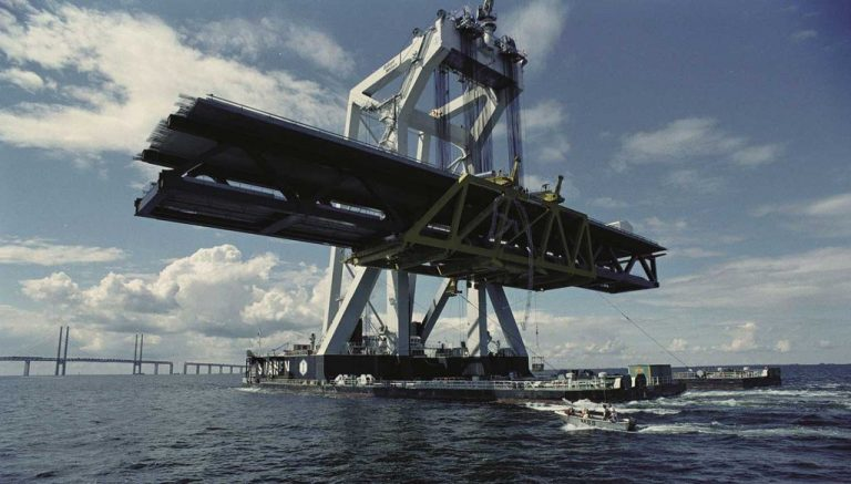 Transportation of the Öresund bridge