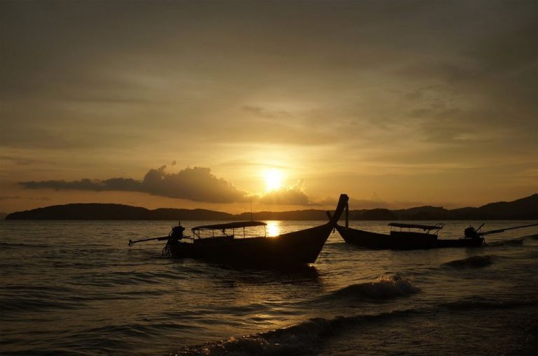 Unusual sunset on Ao Nang beach