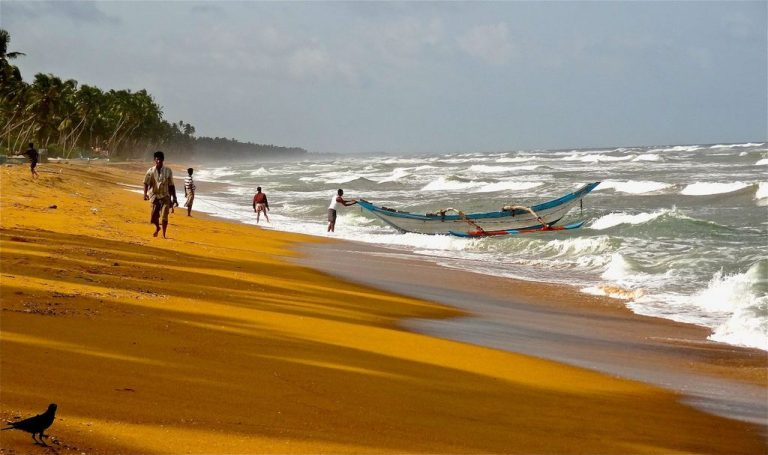 The ocean in Wadduwa is restless