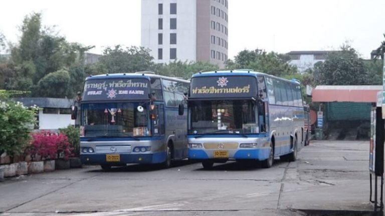 Regular buses run from the bus station in Surat Thani