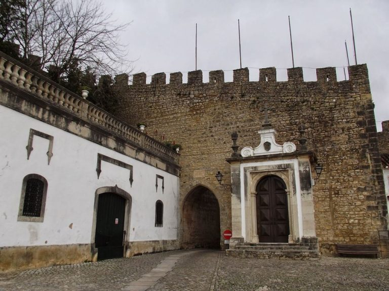 Photo: the central gate of the city