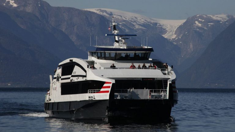 By express boat from Bergen
