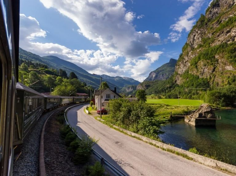 Drive along the Flåm Railway