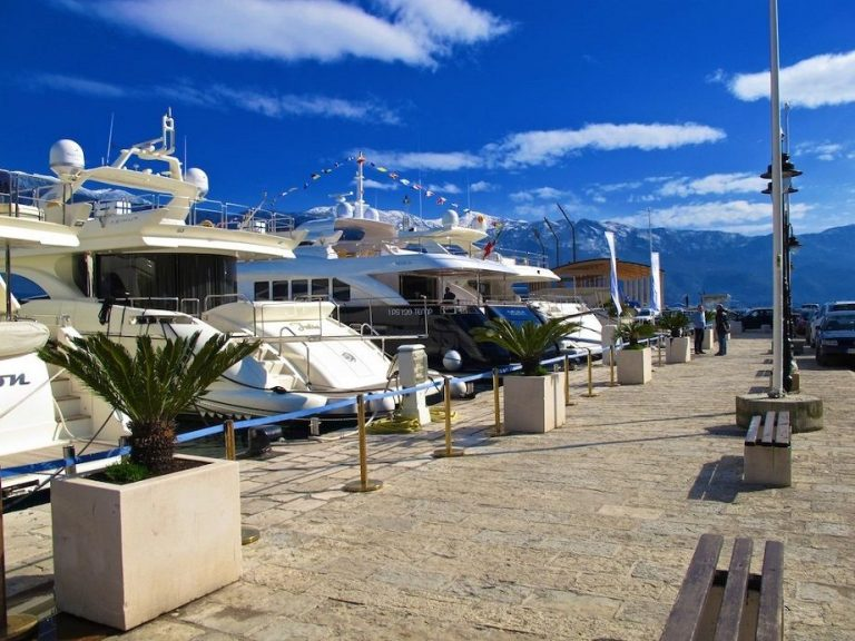 Embankment of the city with yachts