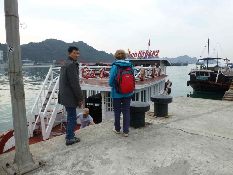 Boat to cat ba