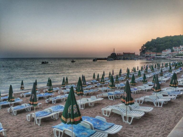 City beach, Petrovac