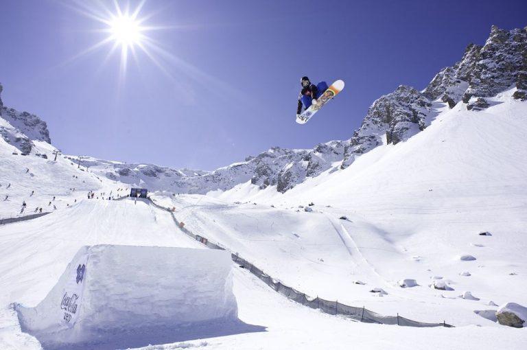 Snowboards for jumping snowboarders