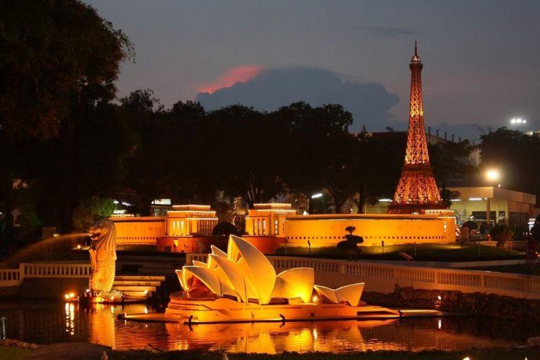 Pattaya Mini Siam Night Park