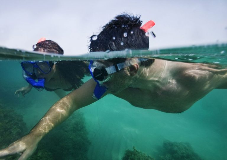 It is a good place for snorkeling.