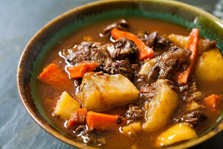The simplest stew recipe - lamb