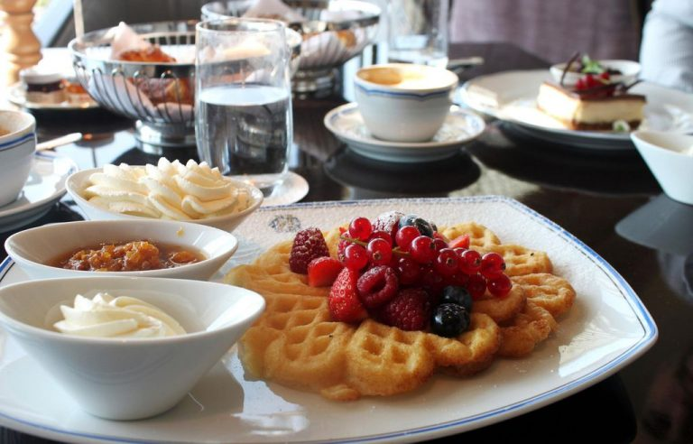 Sweden Traditional Waffles - Sult