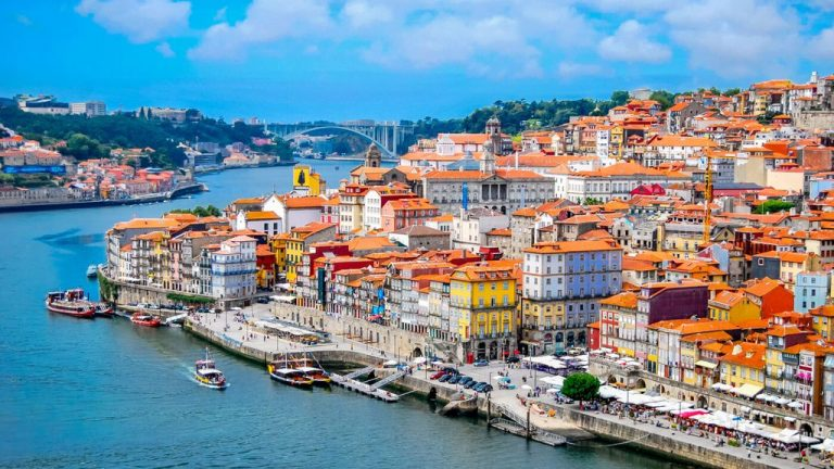 Porto - the second largest center of Portugal