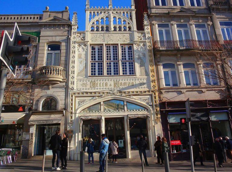 Livraria Lello is a beautiful historic bookstore