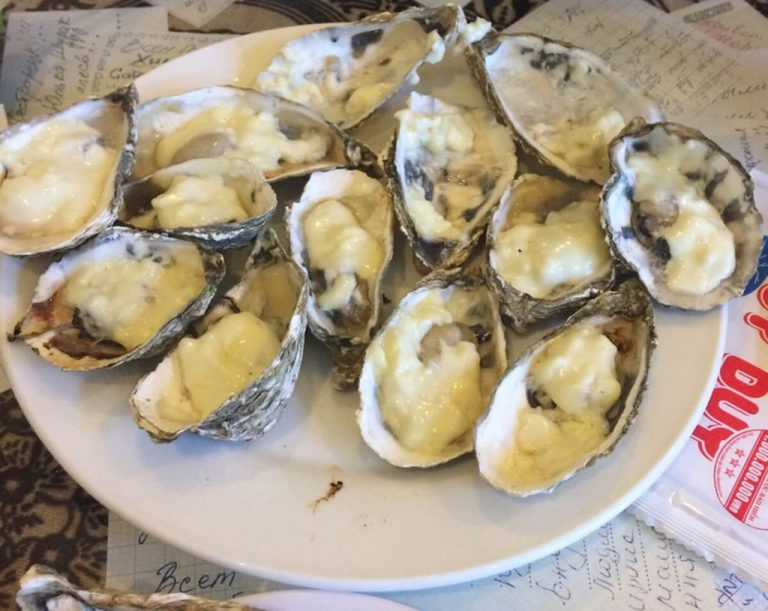 Cheese oysters at Café des amis