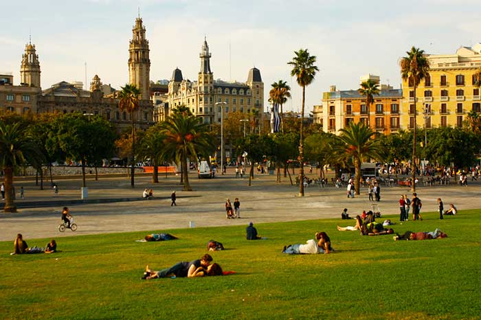 What to do in Barcelona in April